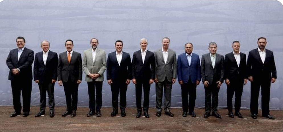 Alfredo del Mazo se reúne con gobernadores priistas de todo el país.