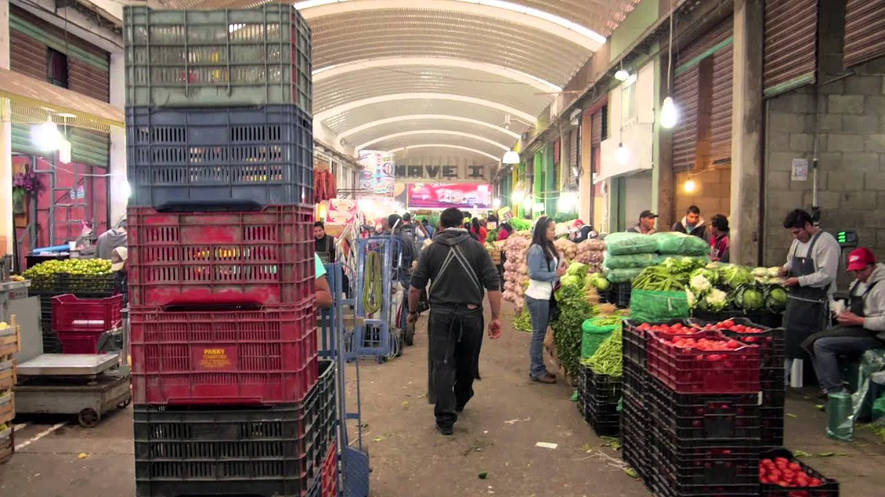 Comerciantes de la Central de Abastos de Toluca planean propuestas frente a la prohibición del plástico