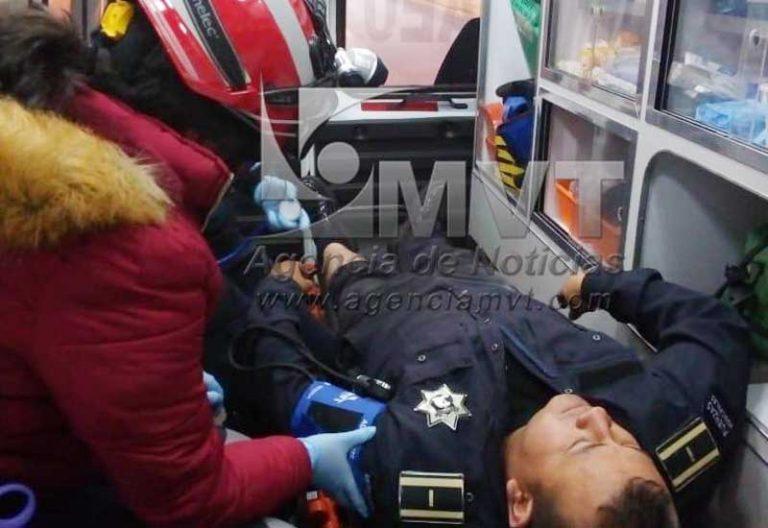Toro escapa de rastro y cornea a un policía en Zinacantepec