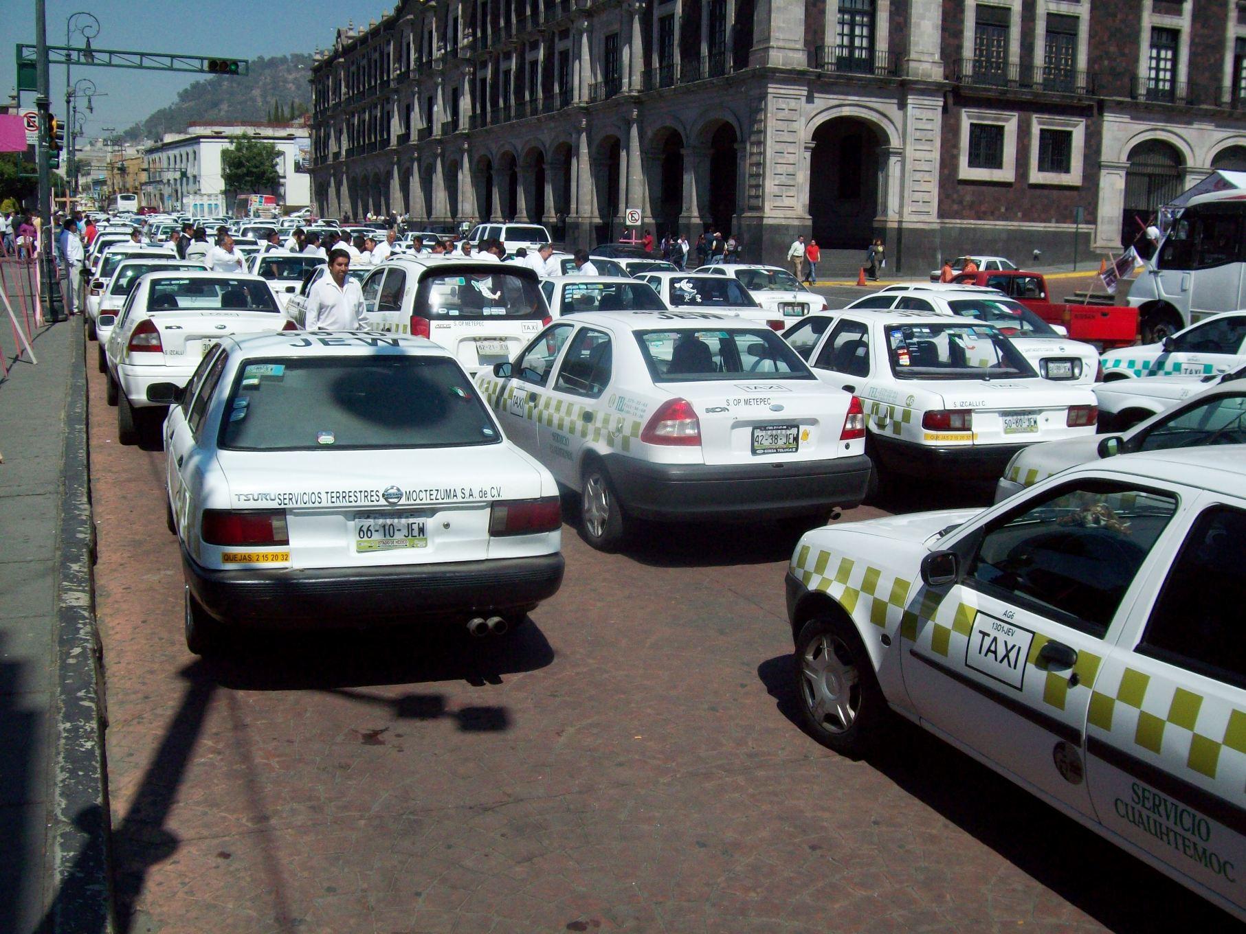 Anuncian vialidades y autopistas que serán tomadas por taxistas en Toluca