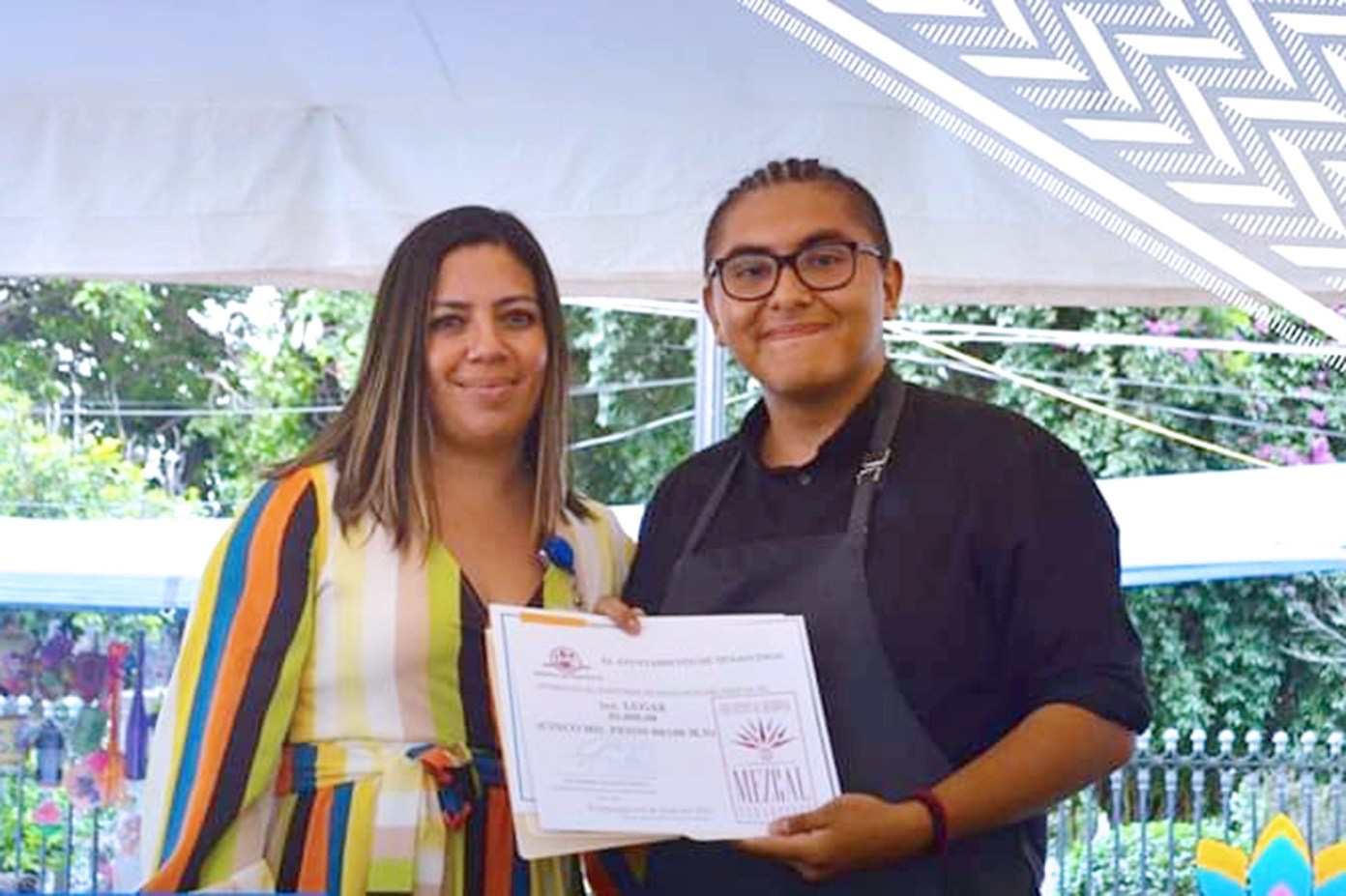 Gana estudiante UAEM concurso de Mixología en el Primer Festival del Mezcal