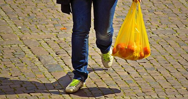 Hoy quedan prohibidas las bolsas de plástico de un uso en Toluca