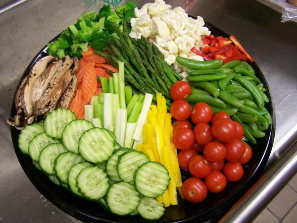 Alimentos crudos mejoran salud: verduras, frutas y semillas