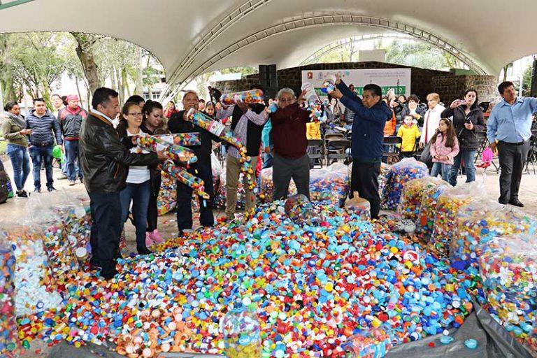 Lugares para donar ropa, tapitas de plástico y cabello en Toluca
