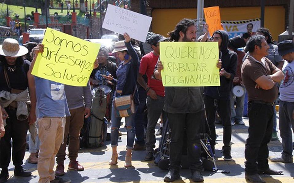 Vendedores artesanos de Metepec fueron reubicados sin previo aviso