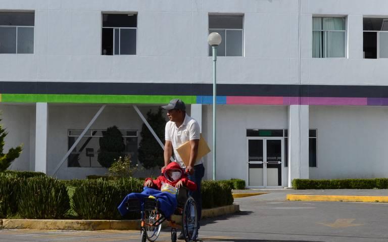Denuncian retraso de medicamentos en ISSEMyM de Toluca