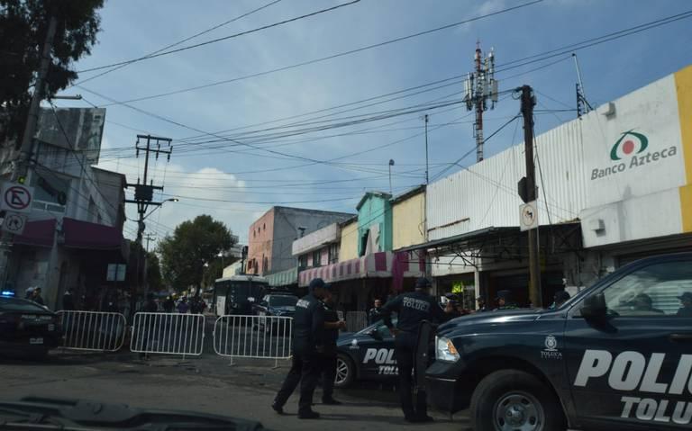 Autoridades evitan que ambulantes ocupen calles de la zona Terminal de Toluca
