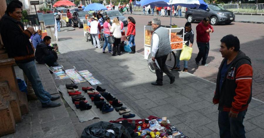 Comerciantes establecidos del Valle de Toluca insisten para que ambulantes paguen impuestos