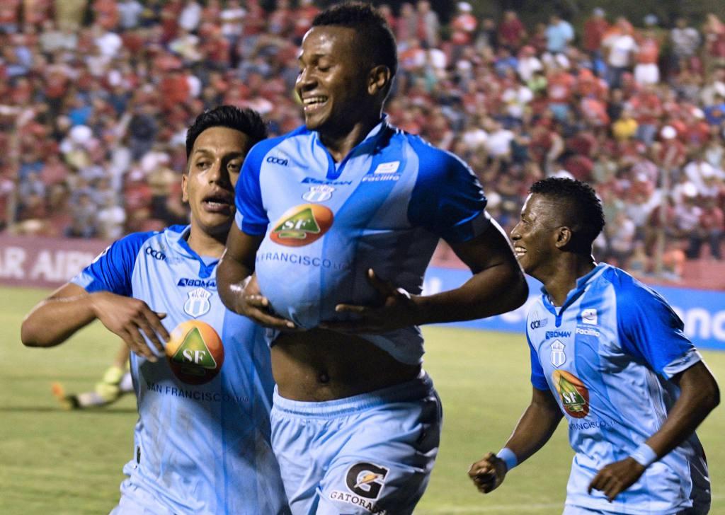 Michael Estrada ya se encuentra con Toluca FC haciendo exámenes médicos