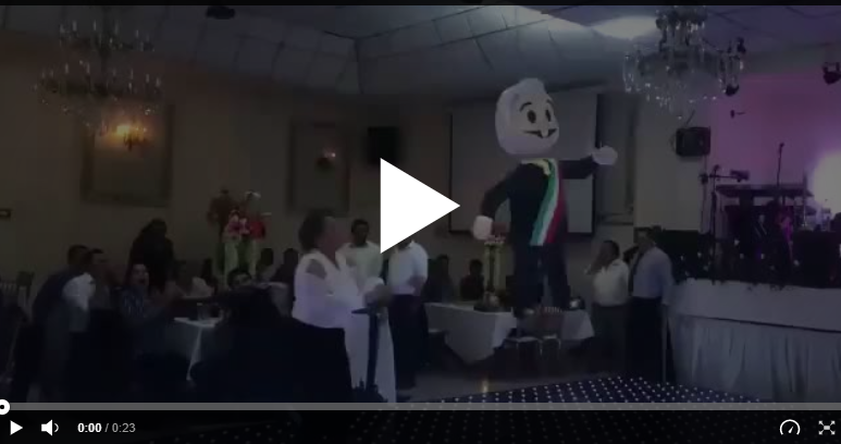 video diputados del prd rompen piñata de amlo