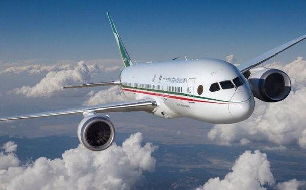 AMLO presenta diseño del boleto para rifa de avion 1