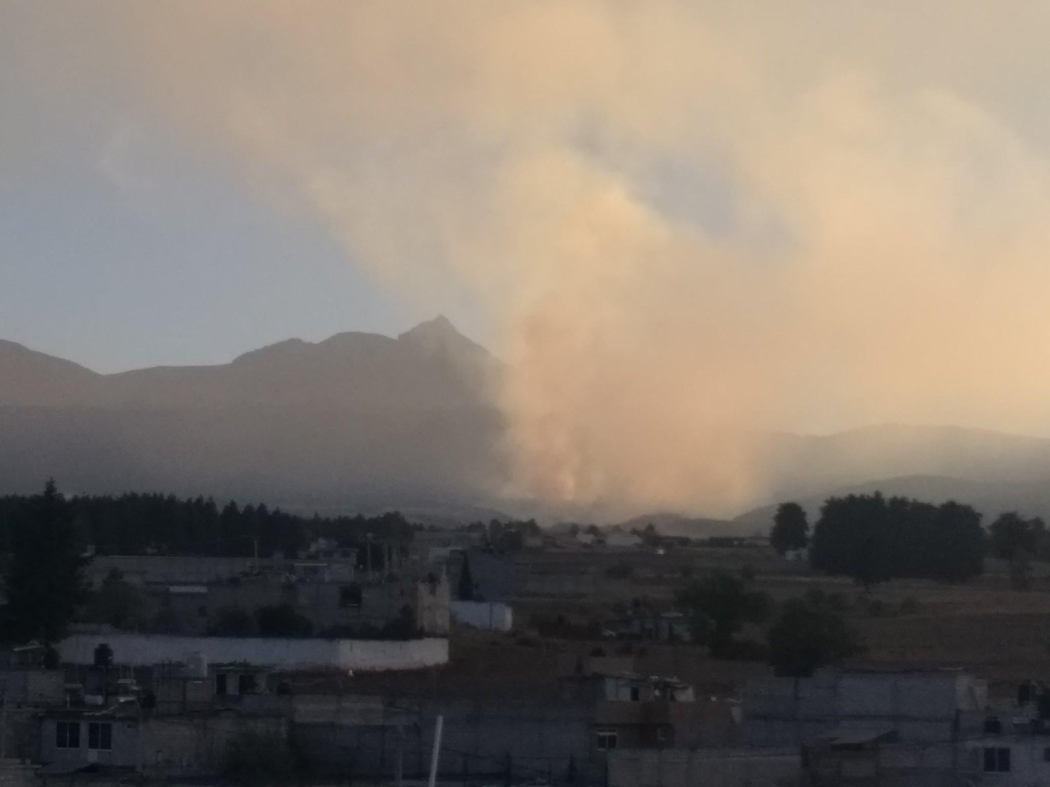 Nevado de Toluca registra incendio forestal en sus faldas