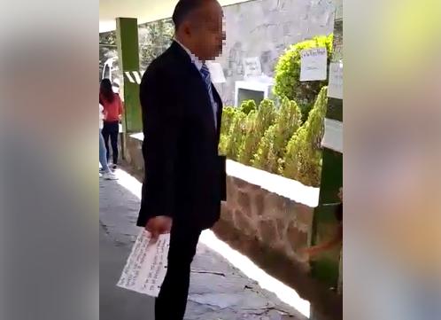 Profesor de derecho de la UAEM quita denuncia en contra realizada por estudiantes