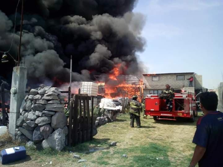 Bomberos sofocan incendio registrado en Toluca