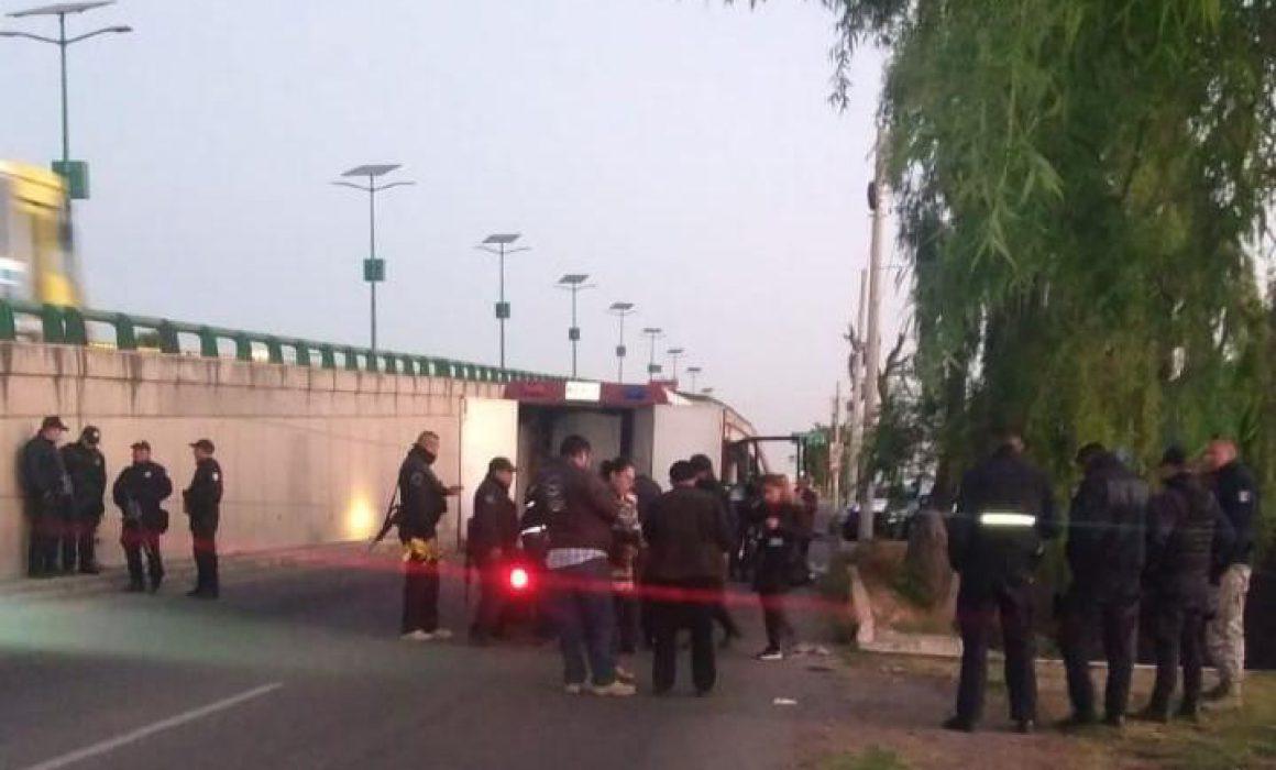 Aparece hombre decapitado con narcomensaje en Tenango del Valle
