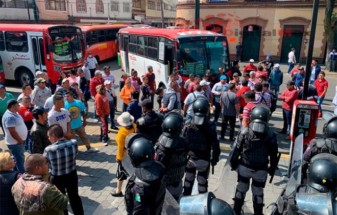 (VIDEO) Desalojan a vendedores ambulantes en Toluca