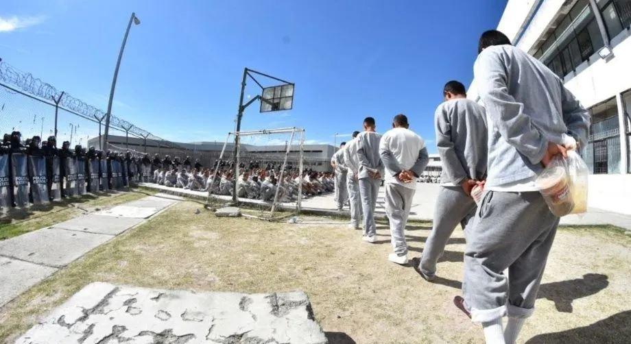 Liberan a presos en cárceles del Edomex por Covid-19