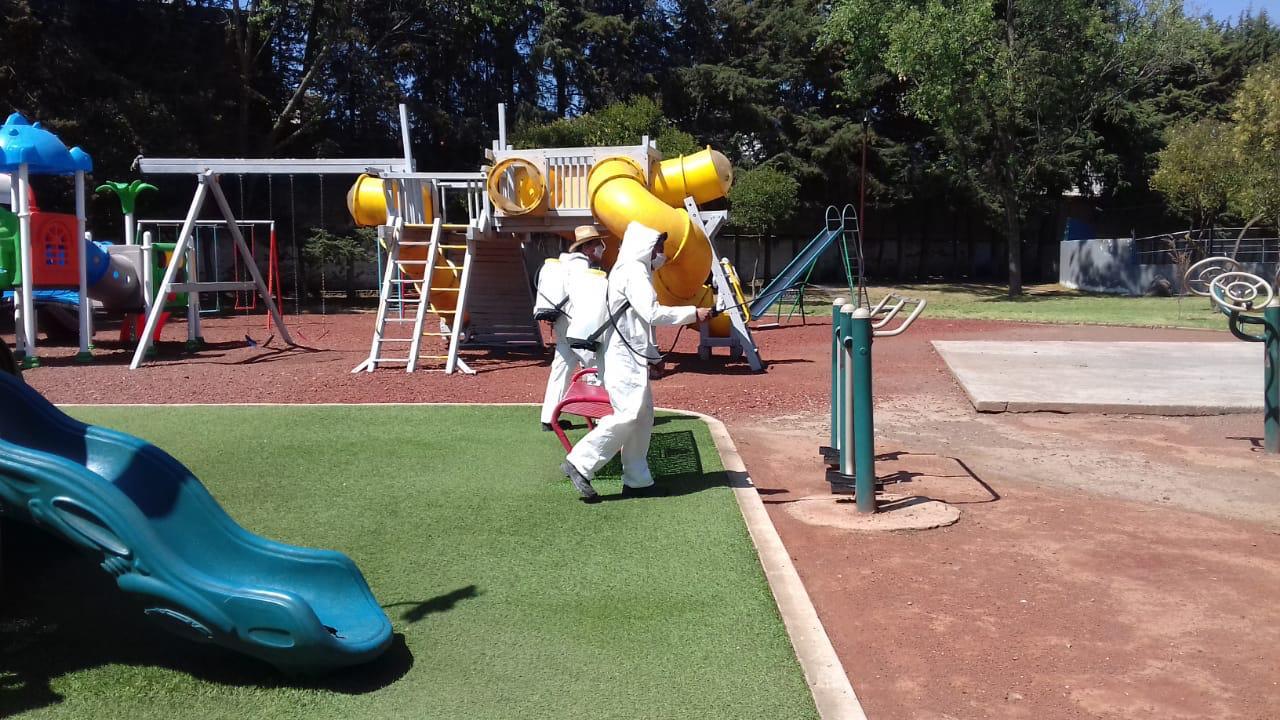 Sanitización en Toluca de parques