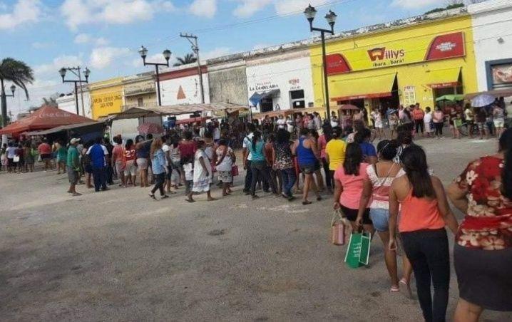 En Yucatán salen de cuarentena para comprar pollo a $10.00 pesos