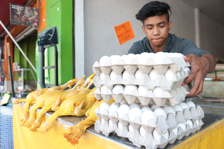 A-la-baja-el-precio-del-pollo-y-del-huevo