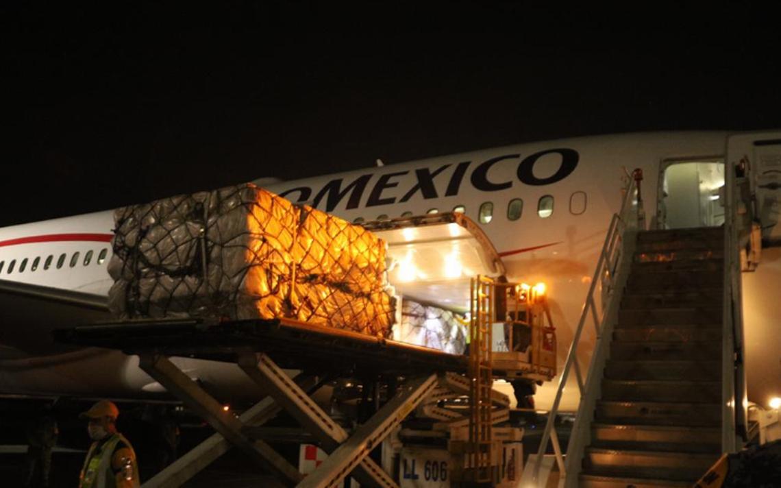 Llega a México avión con equipo médico desde China.