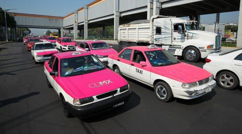 Apoyo de 25 mil pesos a taxistas y meseros