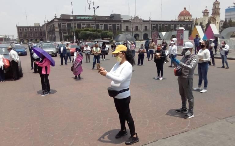 Maestros marchan y exigen pagos en Toluca