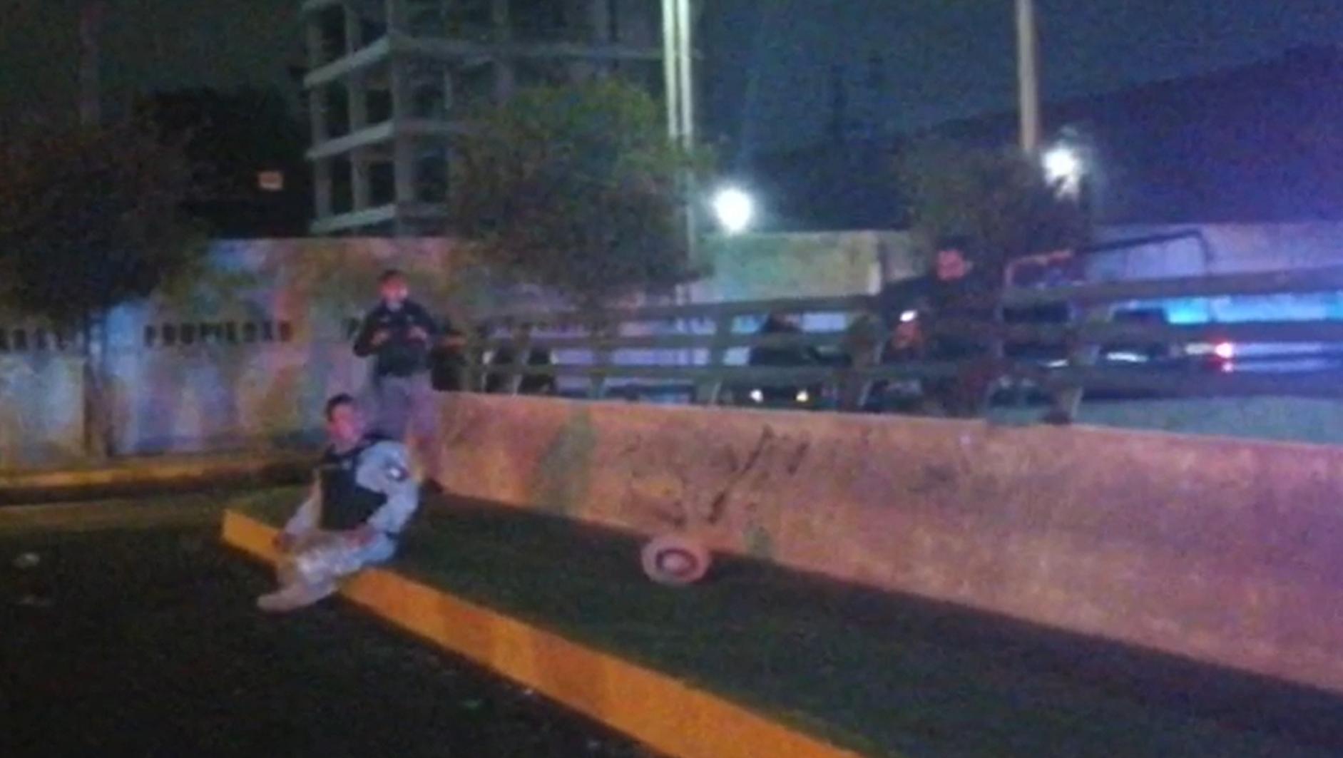 Policía Municipal de Toluca frustra suicidio || VIDEO