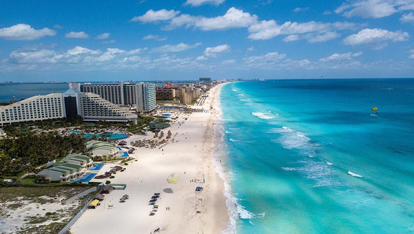 Promoción del 2x1 en playas del Cancún al término de la cuarentena