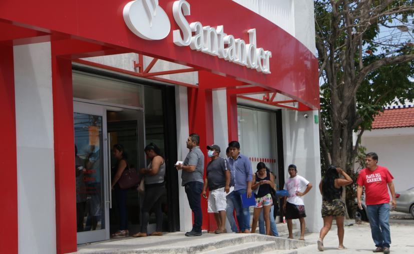 Tarjetas retenidas y fallas en el sistema del banco Santander