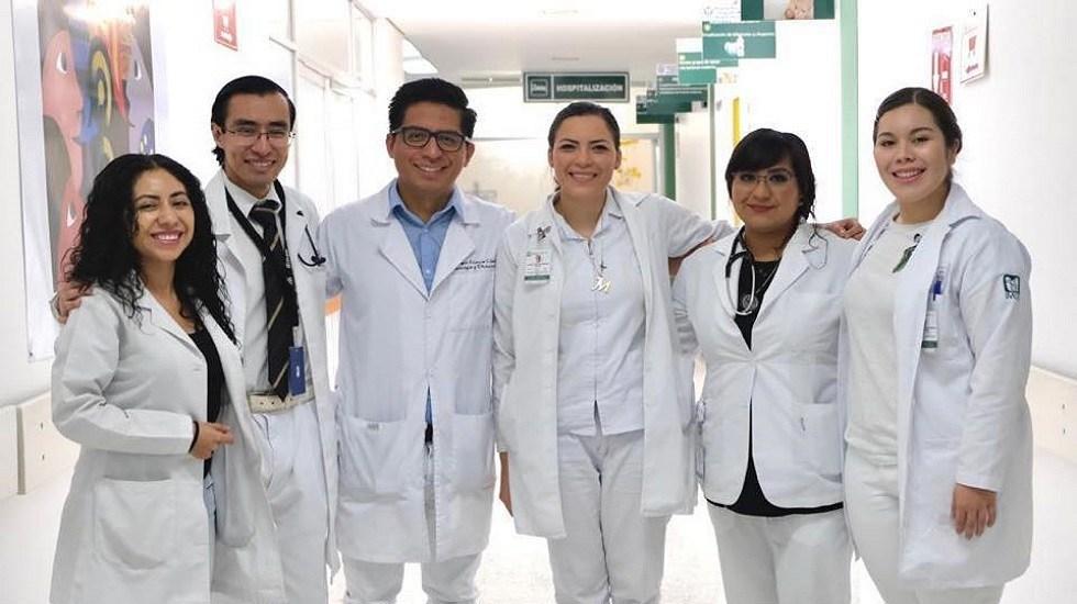 a-falta-de-especialistas-becaran-a-30-mil-medicos