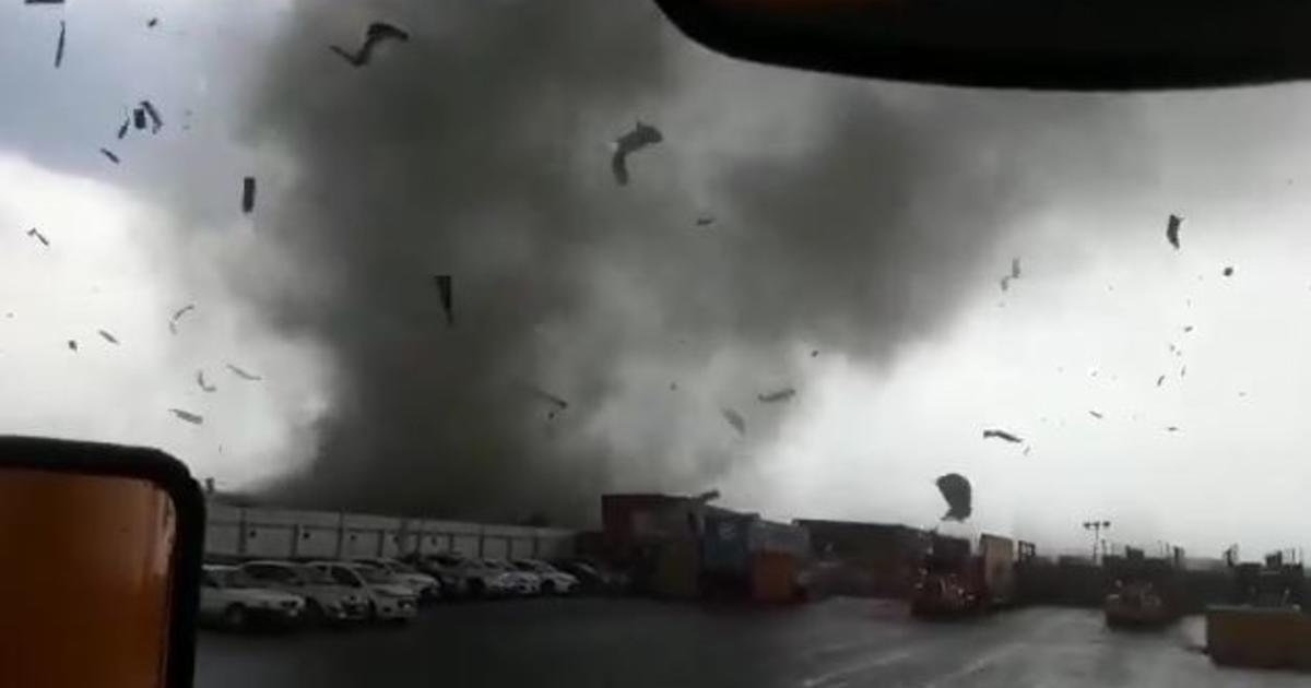 VIDEO-Caos por precipitaciones en Monterrey