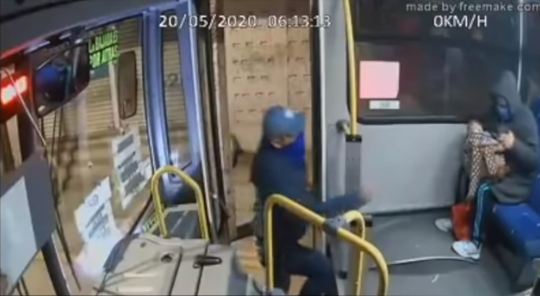 Asaltan autobús en Toluca