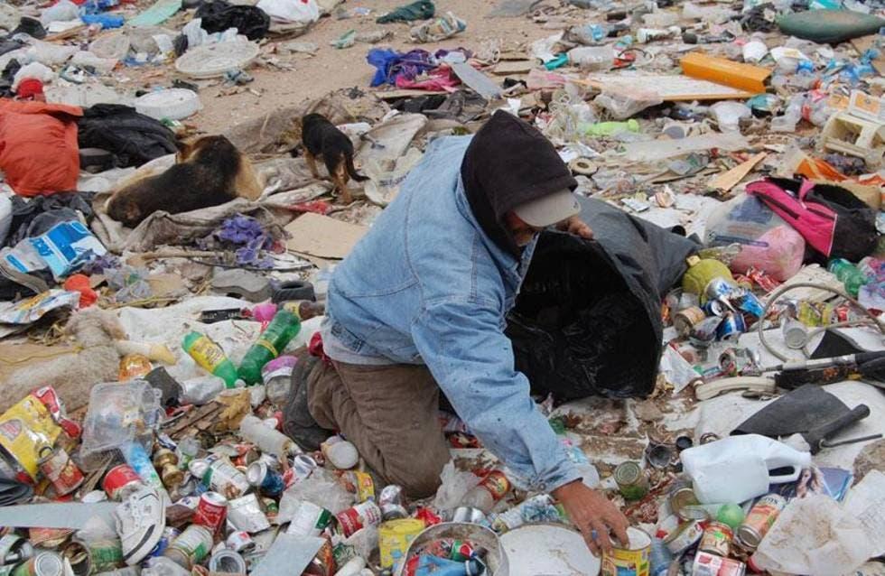 Cómo es la vida de los recolectores de basura durante la pandemia