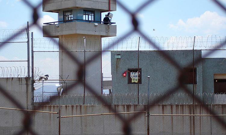 Piden protección para internos y trabajadores de penales del Edomex