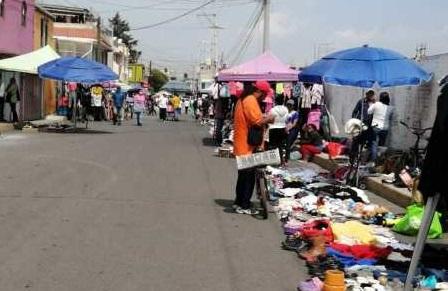 Tianguis «El Piojito» y puestos de comida operan con normalidad en Toluca pese a Covid-19