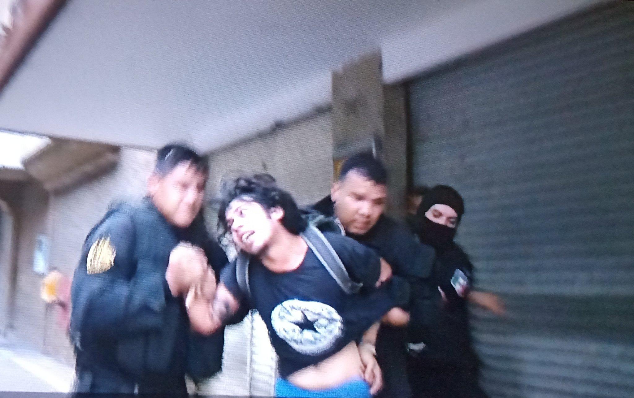 Salen a protestar por Giovanni López: Policía los reprime