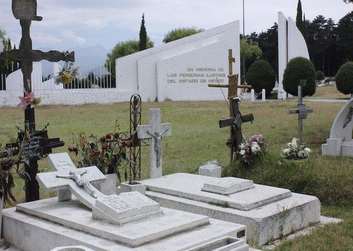 Habrá ampliación de panteones en el Valle de Toluca