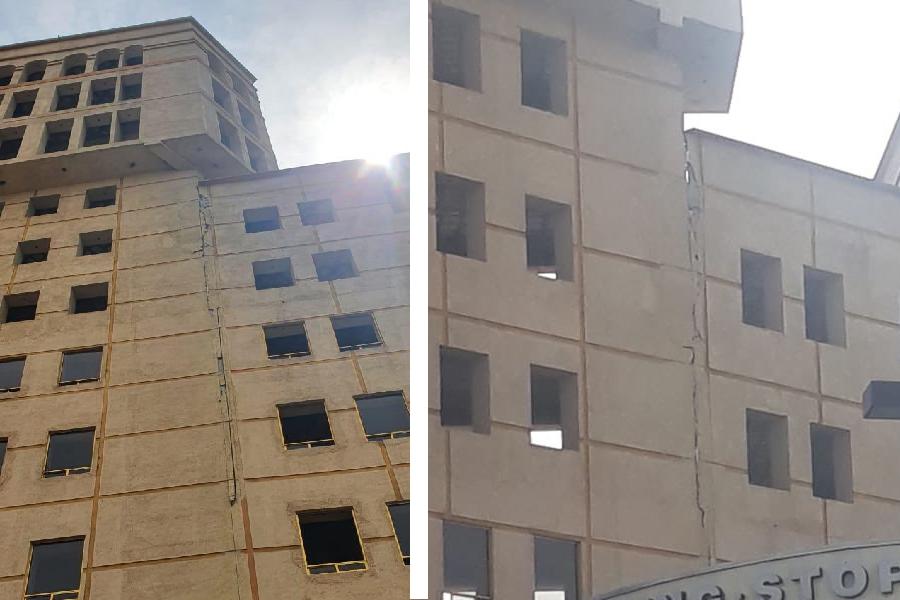 VIDEO-Fotogalería Reportan inmensa grieta en edificio Miled ubicado en Metepec