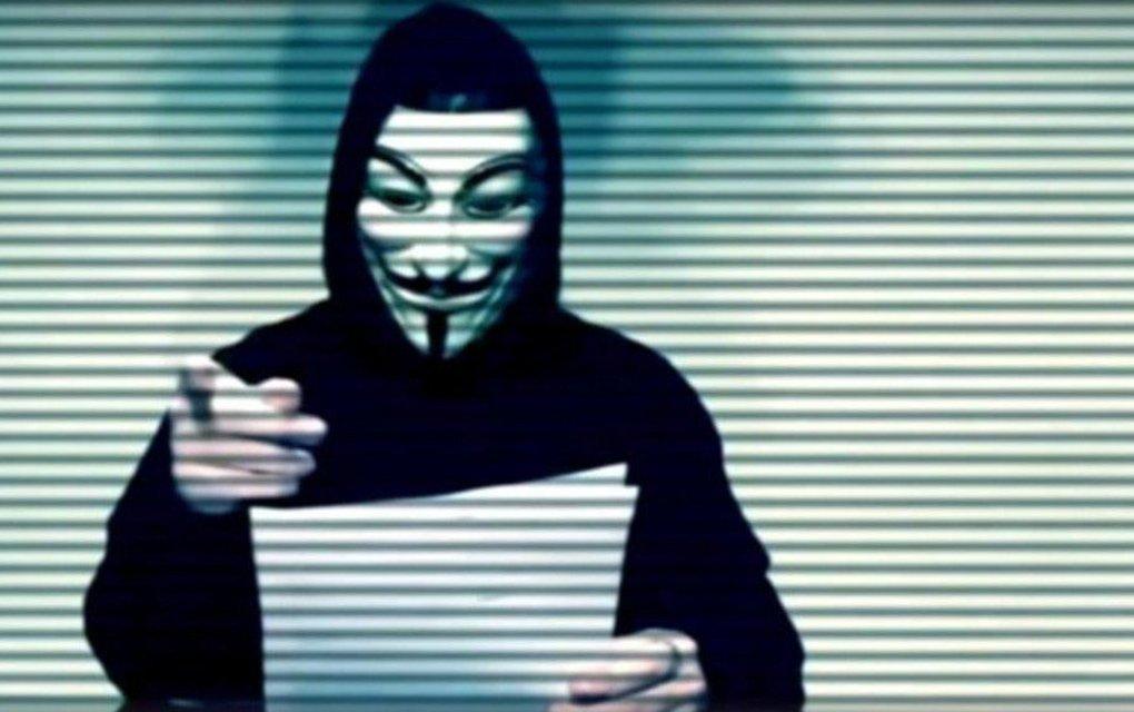 Anonymous famosos pederastia