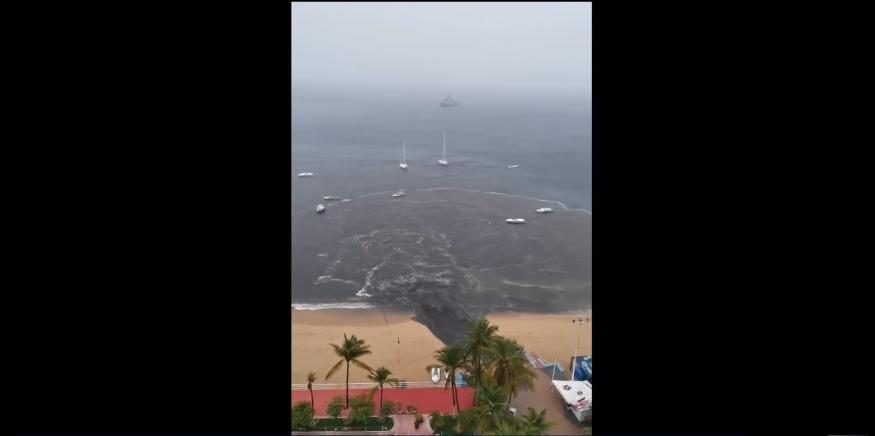 (Video) Captan salida de aguas negras en pleno puerto de Acapulco