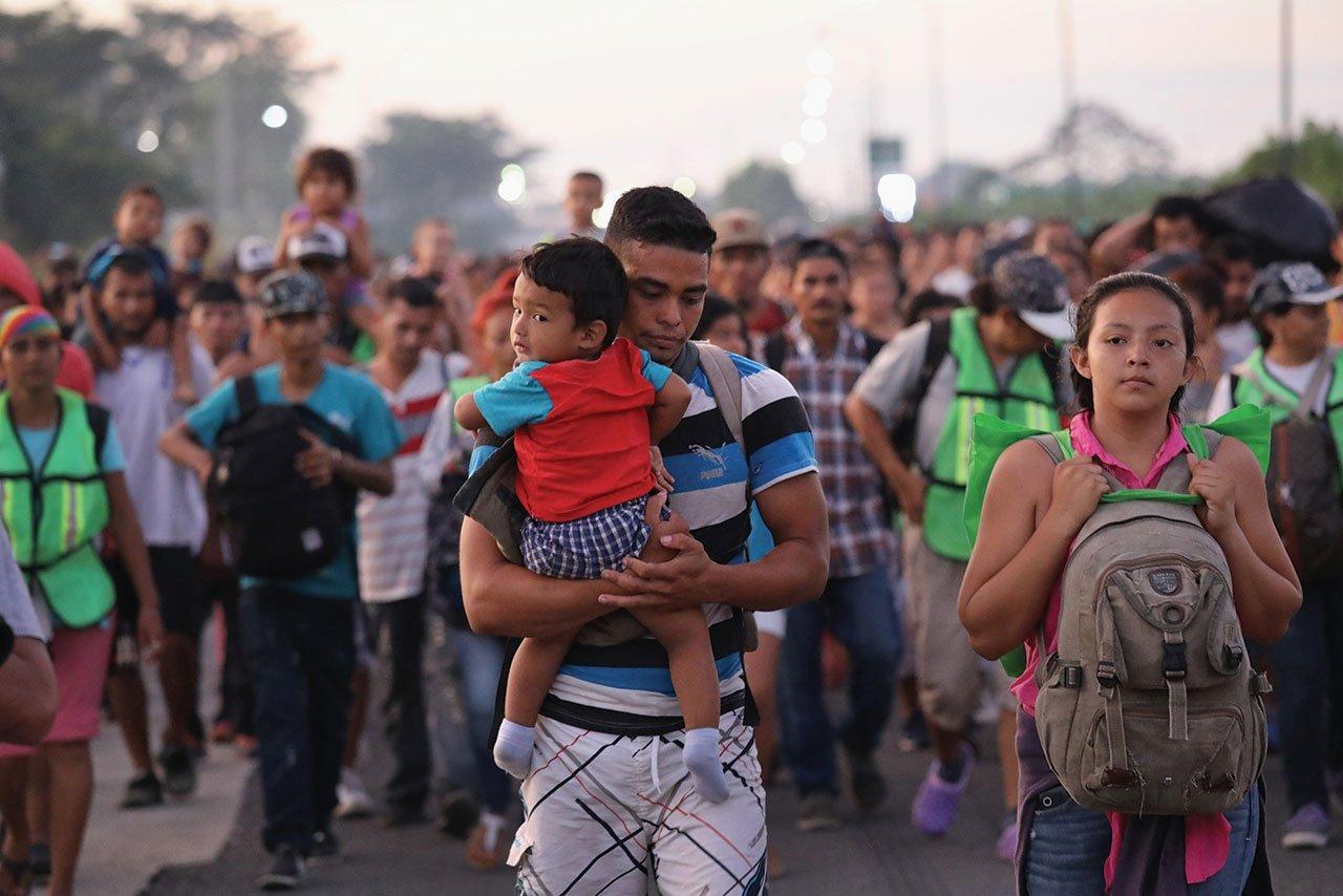 Al rededor de 75 mil migrantes estén por llegar en Caravana a México, 30% tienen COVID-19, asegura Luis Villagran, activista y defensor migratorio.