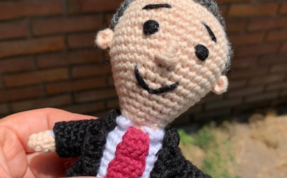 Surge muñeco de estambre de López-Gatell en Toluca