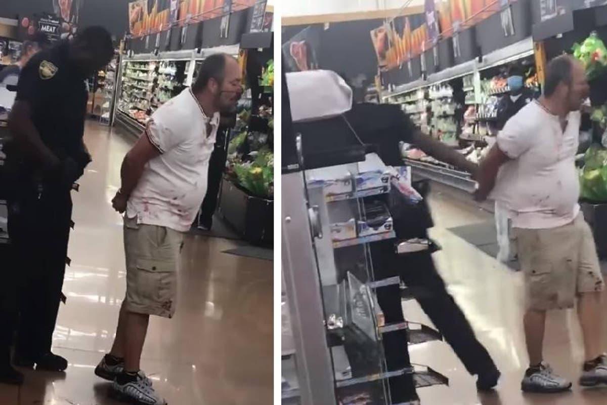 [VIDEO] Policía afroamericano agrede a cliente hispano que compraba en Walmart.