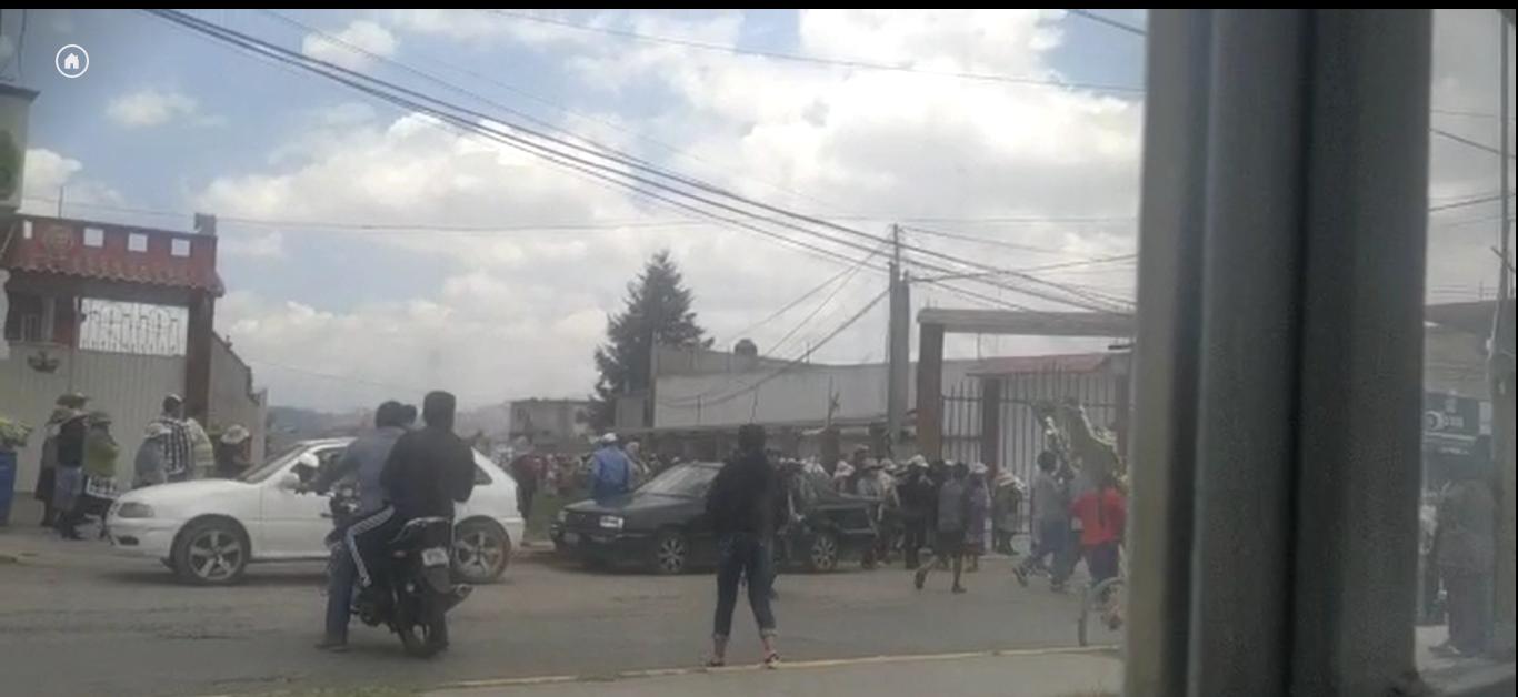 VIDEO    Realizan procesiones fúnebres sin medidas de protección en San Andrés Cuexcontitlán