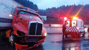 Duro percance automovilístico en la carretera México-Toluca 1