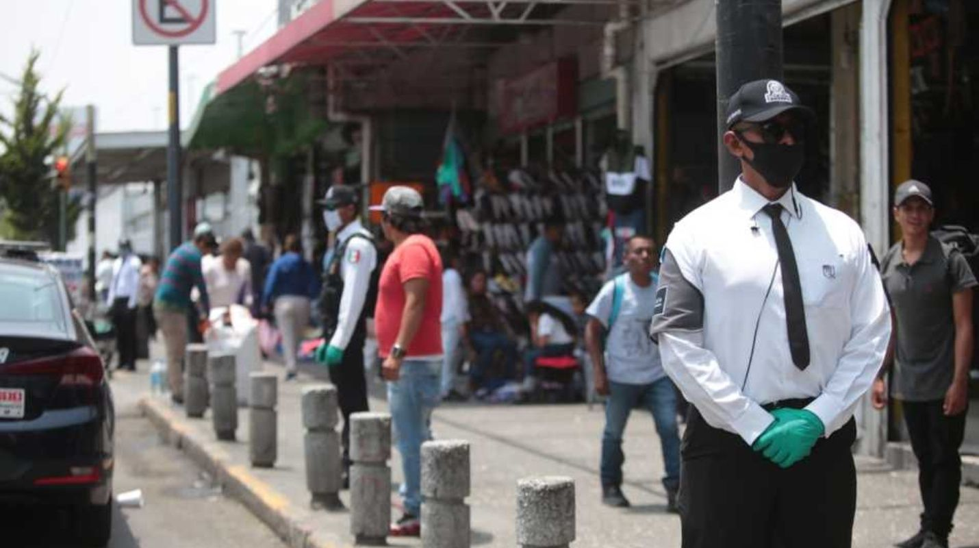 Debido al número de contagios por Covid-19 en el Estado de México, el Cabildo de Toluca tomó la decisión de aplicar arresto o multa por no usar cubrebocas.