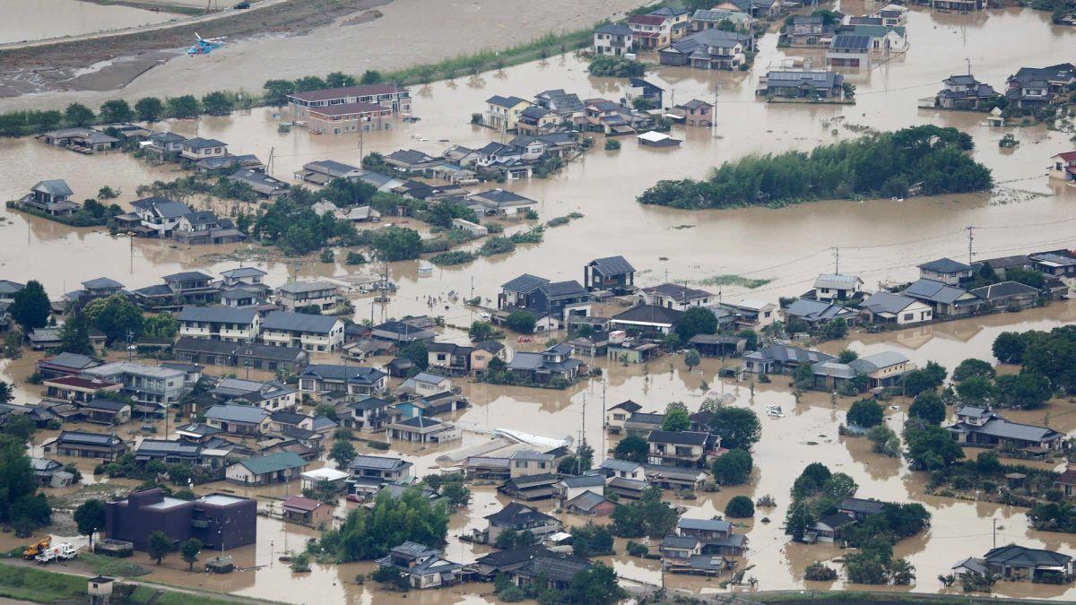 Grave inundación en Japón deja un saldo de 60 muertos