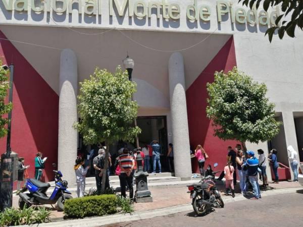 Se-registran-largas-filas-en-casa-de-empeño-en-Toluca