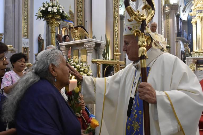 La Arquidiócesis de Toluca dio a conocer que se llevarán a cabo misas de matrimonios, XV Años y bautizos pero sin fiesta.